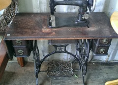 Domestic treadle sewing machine and table 10.2013