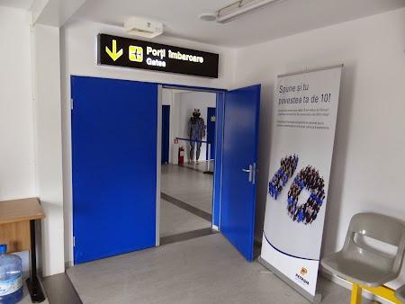 04. Intrare pasageri - Tuzla.JPG