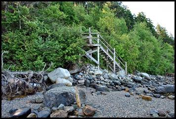 02f2 -Pretty Marsh Rt 102 - Acadia shore access along Pretty Marsh Harbor