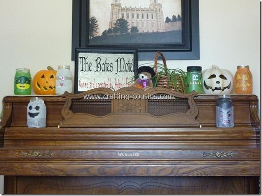Halloween Luminaries from a Mason jar (24)