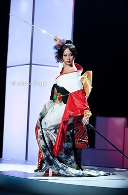 miss-uni-2011-costumes-49