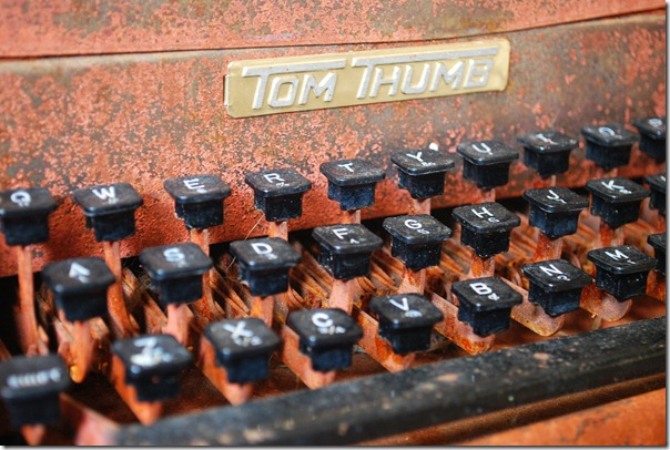typewriter - detail