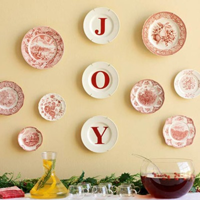joyful Christmas plate display