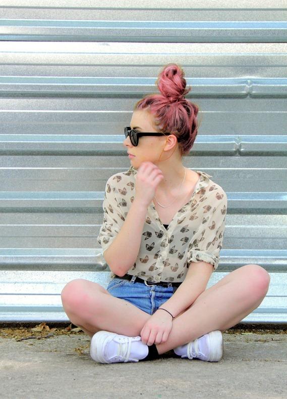 pink hair bun