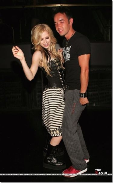 avril-lavigne-boyfriends-5