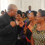 tn_PREZ MAHAMA INTERACTING WITH NAT. PREZ WOMENS AGLOW AND AN EXECUTIVE (1).JPG