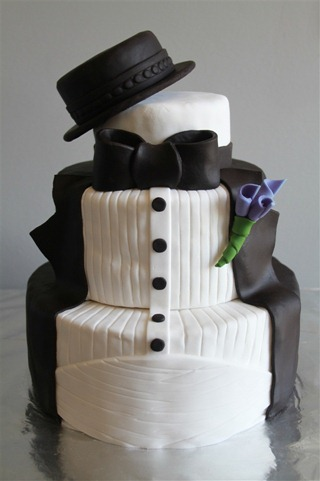 Tuxedo Groom 39s Cake 1 After creating my triathlon cake back in March I