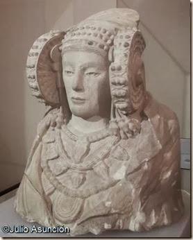 Reproducción de la Dama de Elche - Museo arqueológico de Elche