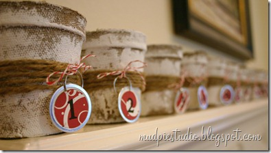Christmas Advent Calendar from mudpiestudio.blogspot.com