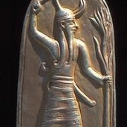 61 - Bajorrelieve del dios fenicio del sol Baal