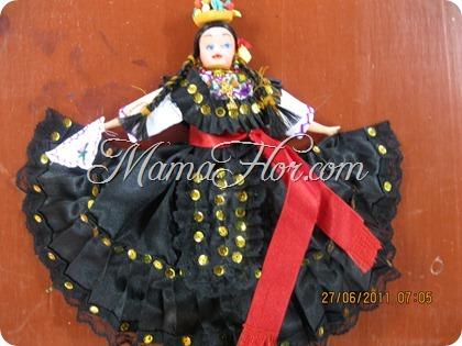 Muñeca Monsefuana: Chola vistiendo traje de Marinera, parte 1