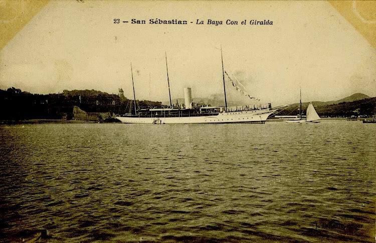 Otra foto del GIRALDA en la bahia de San Sebastian. Web Gure Guipuzcoa.jpg