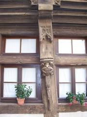 2011.09.05-029 poteau sculpté
