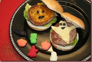 Cheeseburgers Halloween Mimamaysucocina.com
