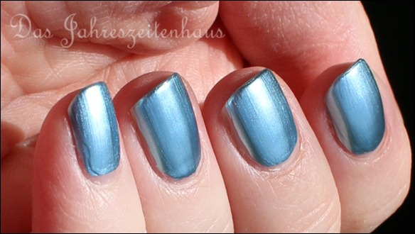 KIKO Mirror 624 Sky Blue 4