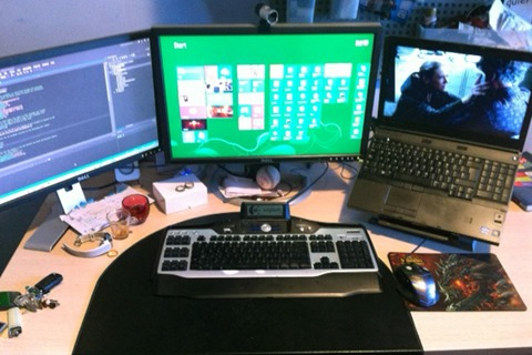 DesktopYomviCropped
