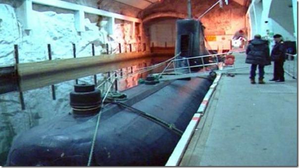 Quer comprar uma base submarina secreta (9)