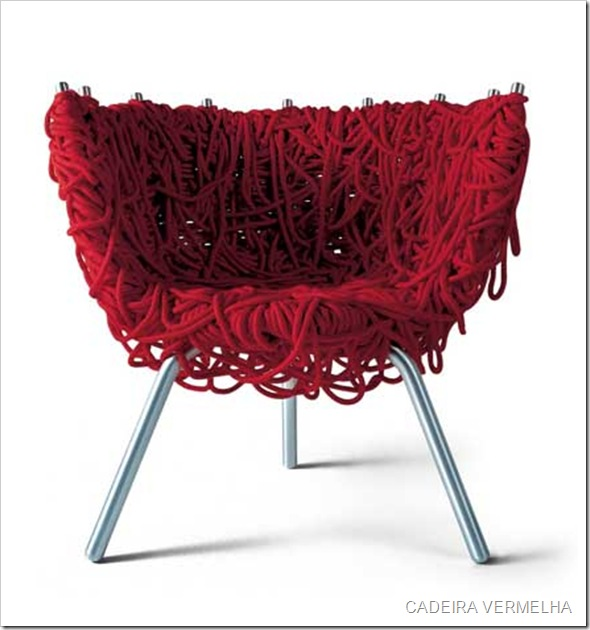 irmaos-campana-red-chair