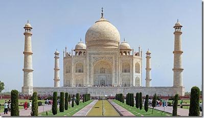 800px-Taj_Mahal_2012