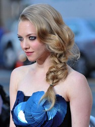 0512-amanda-seyfried-braid_bd1