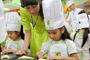 Làm Bánh Big C 27-3-2014