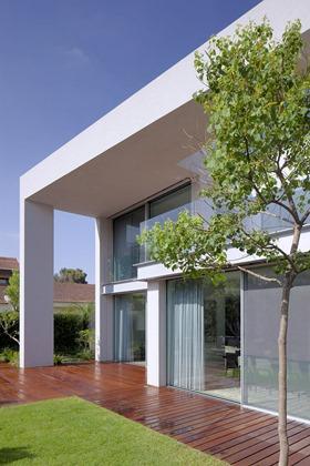 fachada-Casa-CH-Domb-Architects