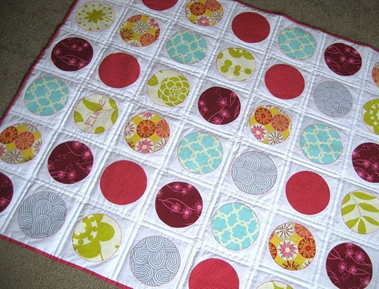 a little gray circle quilt 4