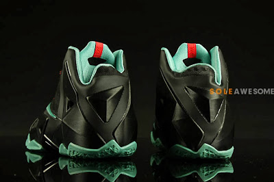 nike lebron 11 gs black green glow 1 08 First Look at Nike LeBron XI GS Black / Mint Green (621712 004)