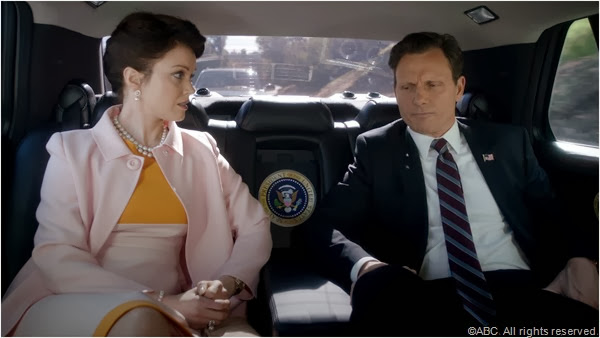 Bellamy Young and Tony Goldwyn in SCANDAL.