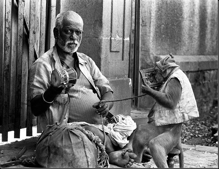 J.R.Ibáñez fotógrafo presso  India.jpg1