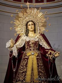maria-santisima-del-sacromonte-vestida-para-el-mes-del-rosario-alvaro-abril-2013-(19).jpg