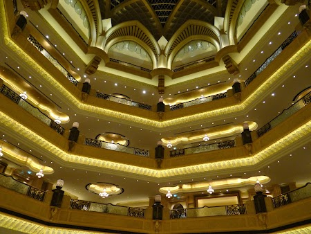08. Emirates Palace - interior.JPG