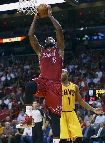 lebron james nba 131214 mia vs cle 05 King James Goes Back to LEBRON 11 With New Red/Silver/White PE