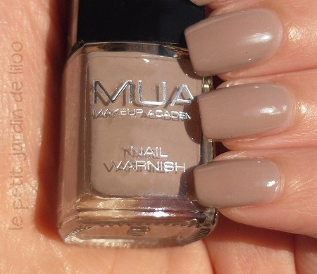 04-mua-cosmetics-nail-polish-shade-19-review-swatch-nude