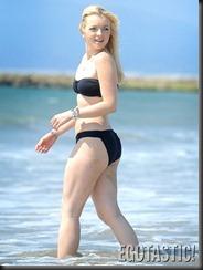 Francesca-Eastwood-Black-Bikini-06-675x900