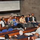 写真2: Lye Tuck Po氏らによるラウンド・テーブル・ディスカッションの様子 / Photo2: Roundtable discussion by Lye Tuck Po and  researchers
