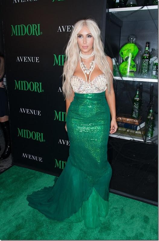 kim-kardashian-mermaid-halloween-2