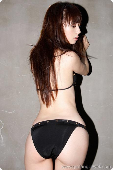 Model Hot Jepang Berpose Menggoda    gudangcewek.com