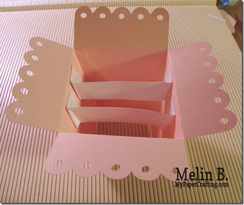 inside of pop up box-artiste-480
