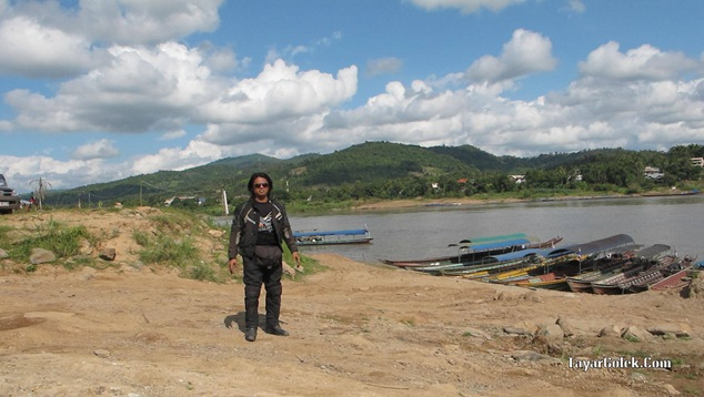 Han TayarGolek with Laos View