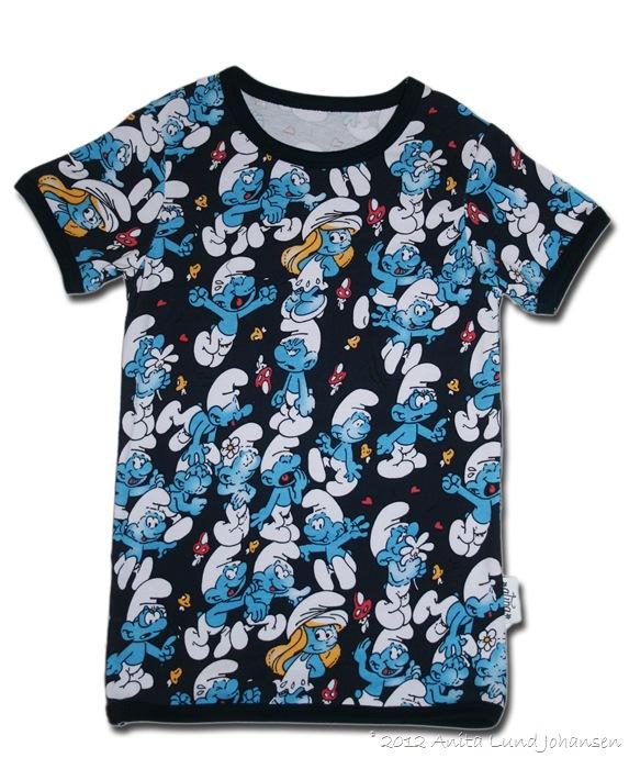 T-skjorte smurf str 7-8 år