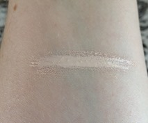 IT Cosmetics Bye Bye Under Eye Swatch