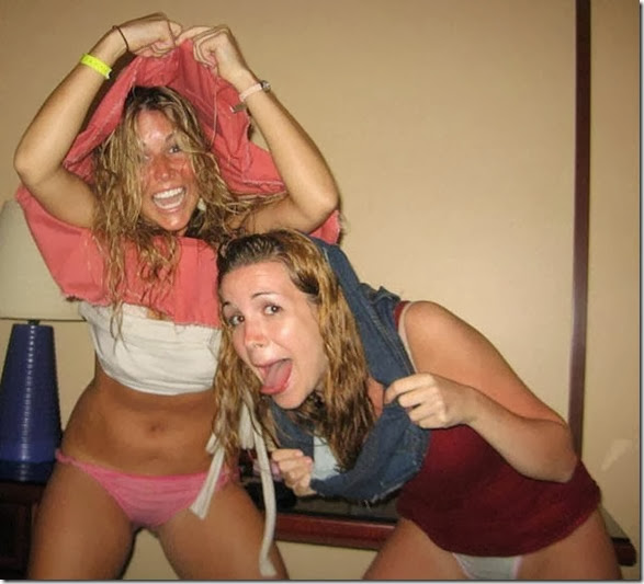 drunk-chicks-party-037