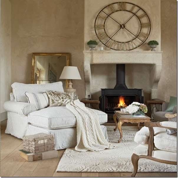 Cosy-white-French-style-room-design