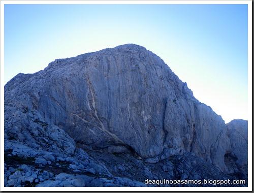 Jito Escarandi - Jierru 2424m - Lechugales 2444m - Grajal de Arriba y de Abajo (Picos de Europa) 0064