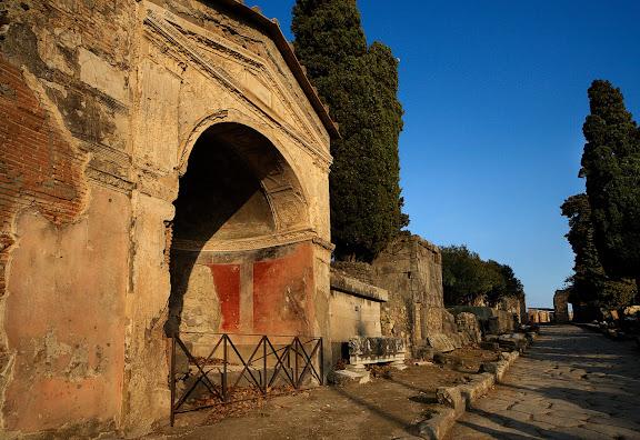 Antigua ciudad romana de Pompeya.Necropolis de la Puerta de Herculano.Pompeya, Italia
