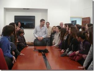 Alumnos de Bellas Artes con el Intendente