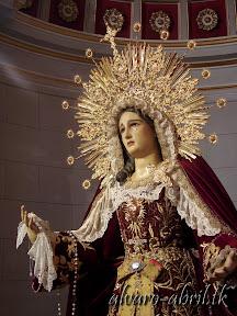 maria-santisima-del-sacromonte-vestida-para-el-mes-del-rosario-alvaro-abril-2013-(9).jpg