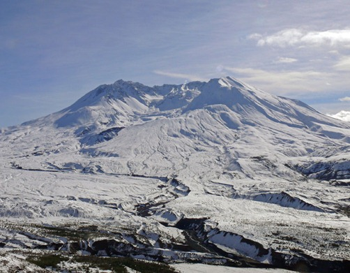 Mt St Helens Crater from Distance