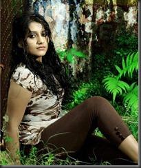 actress sarayu spicy photoshoot pic
